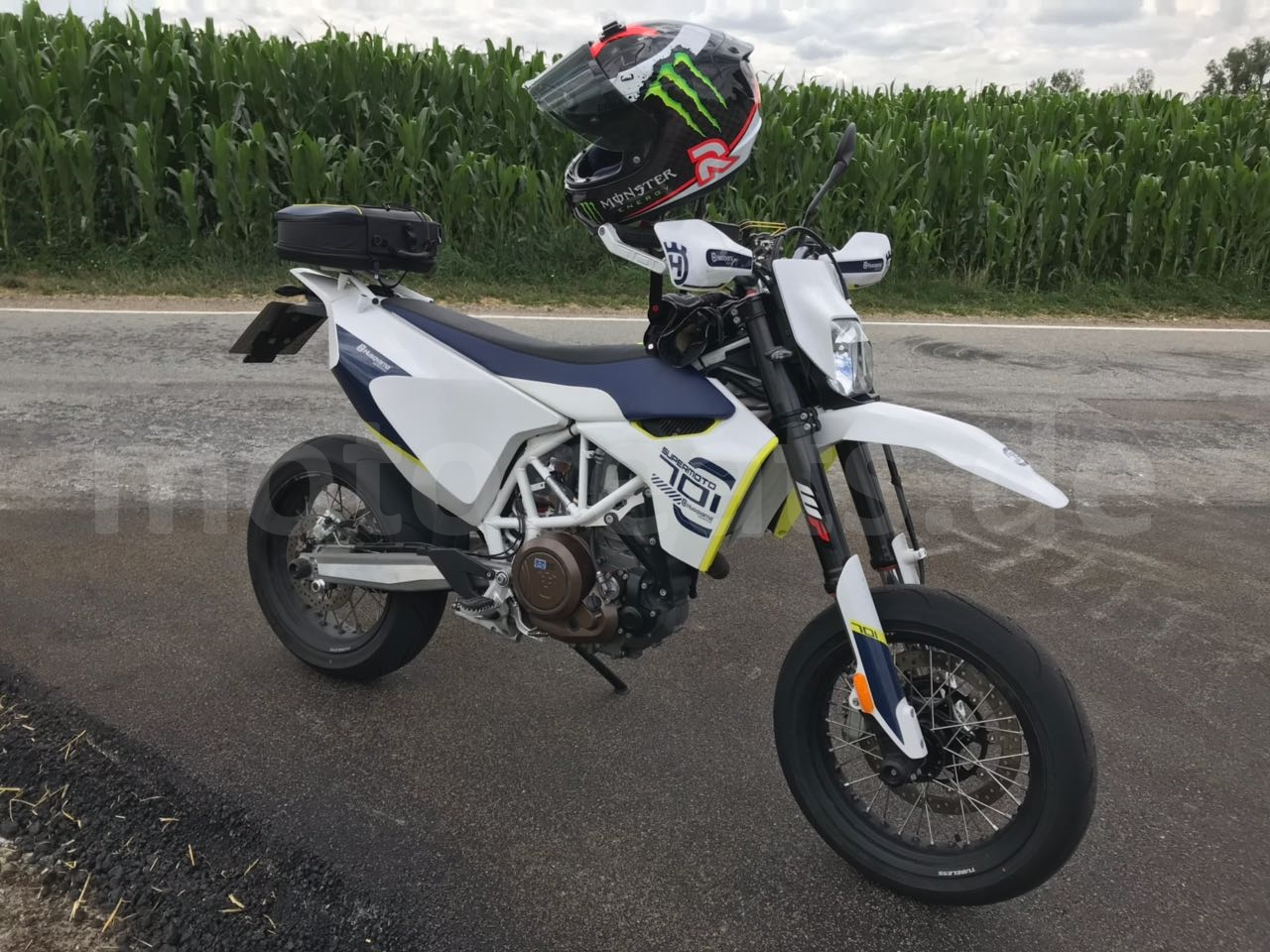 701Husqvarna SM by Bade (1)