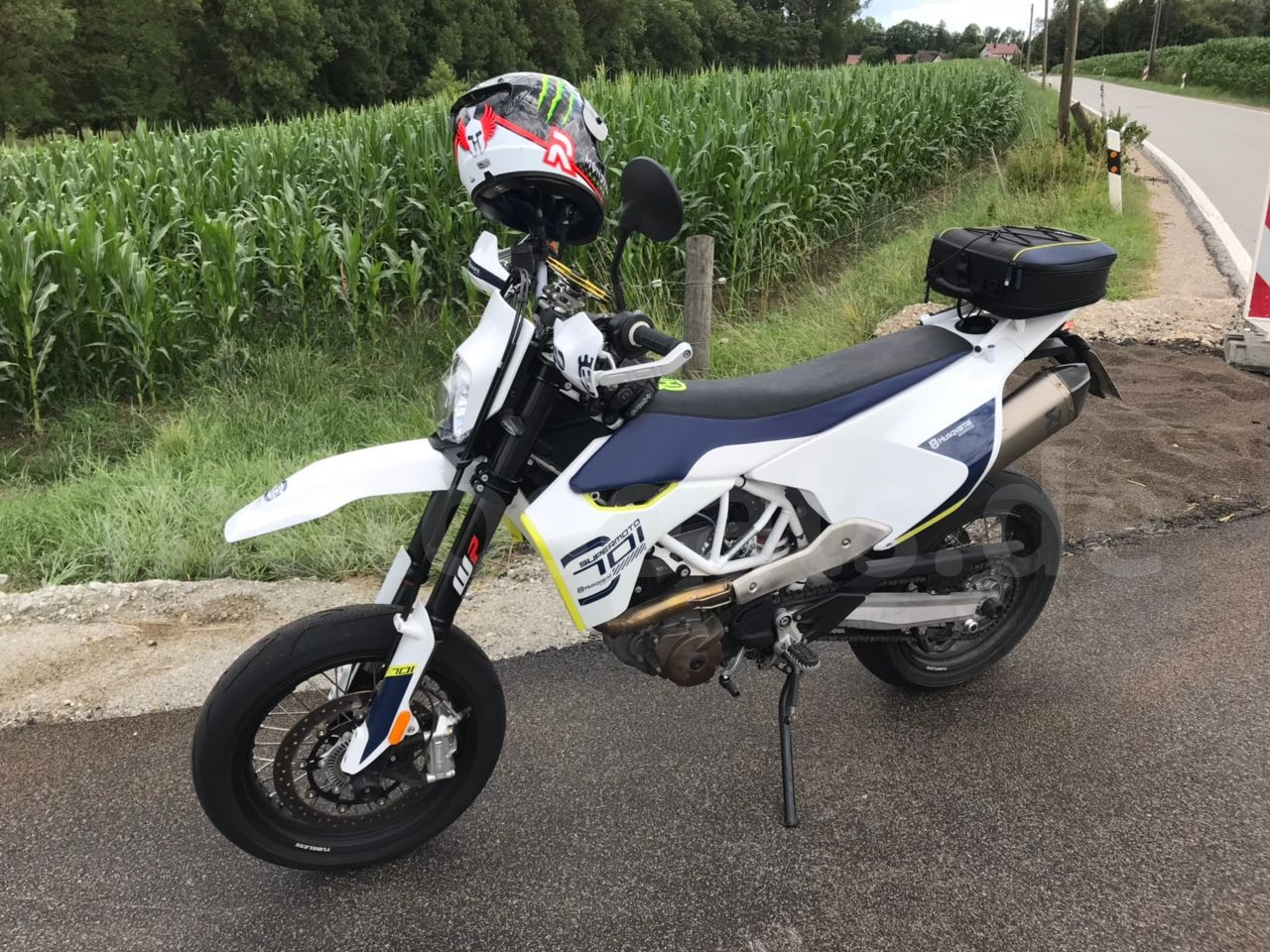 701Husqvarna SM by Bade (2)